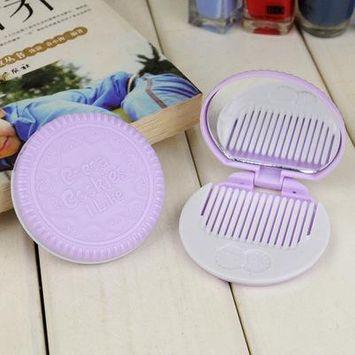 Latest Fashion Cookie Shape Design Mini Pocket Makeup Tool Mirror And Comb Set