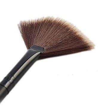 Bhbuy Soft Hair Portable Slim Makeup Fan Shape Brush Blush Powder Foundation Make Up Cosmetic Tool