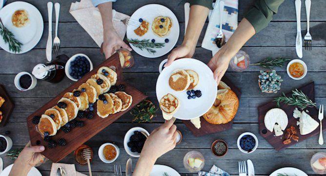 7 Easy Tips for Hosting an Amazing Brunch