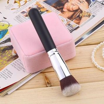 Light Silver Black Brush Cosmetic Brush Face Make Up Blusher With Oblique Shape