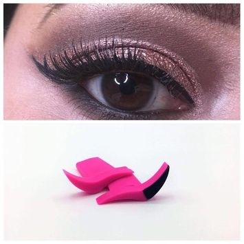 Eyeliner Wing Stamp Classic
