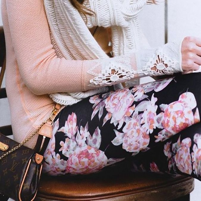 What to Wear With Bold Leggings
