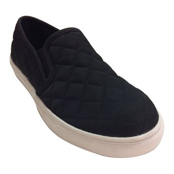 Time and Tru Women's Flat Quilted Shoe