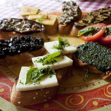 Holiday Party Idea: Cheese Plate