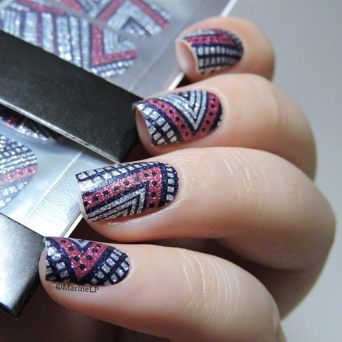 How to Dress Your Nails