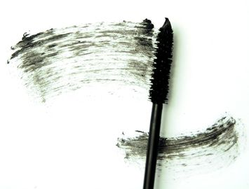 glominerals glo Water Resistant Mascara - Black