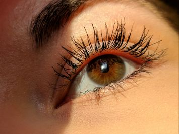 You Need To Keep Your Eyes On These Clean Mascaras!