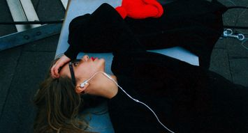 5 of The Best Beauty Podcasts To Binge