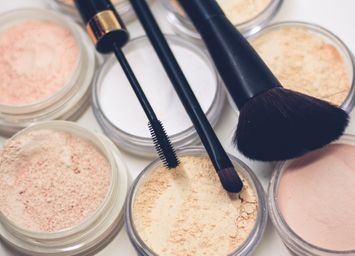 How and When to Your Clean Makeup Brushes to Avoid Breakouts