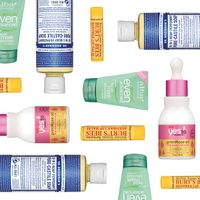 6 Natural Drugstore Brands to Shop This Weekend