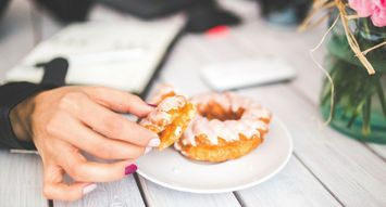 5 Gifts for the Donut Enthusiast In Your Life