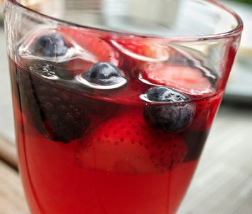 I Need A Cocktail: Summer Sangria