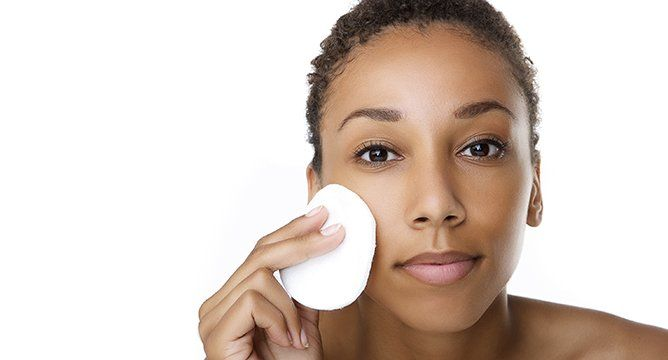 <p>If you have dry skin, you know that it's not just a winter problem. And, if you're relying solely on moisturizer to keep your skin hydrated, you may still be struggling with dry spots and flaking. Up your dewy skin game with a nourishing cleanser. We've rounded up the top-rated moisturizing cleansers, recommended by Influensters like you, so you cankeep your face free of dry patches all year round.</p>