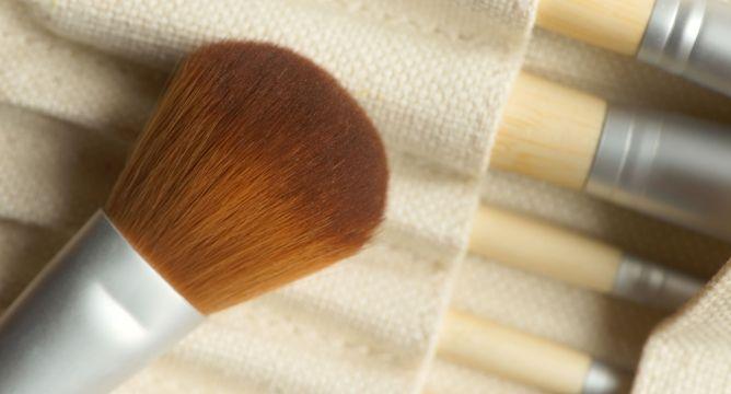 4 Eco-Friendly Makeup Tools
