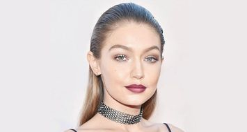 An Expert's Guide to a '90s Dark Lip