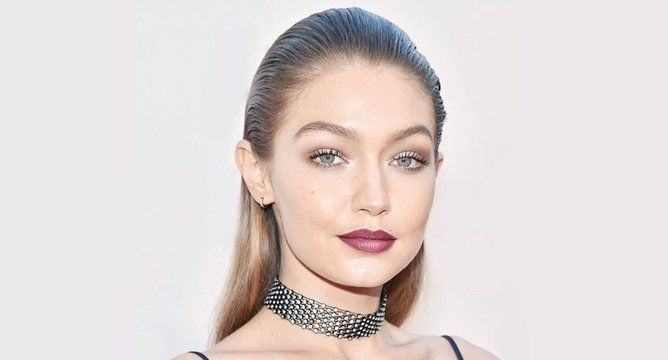 An Expert's Guide to a '90s Dark Lip