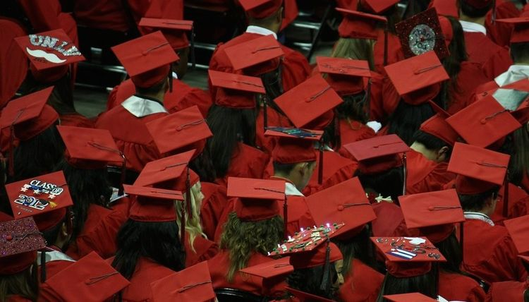 Top 10 Gifts for Your Grad
