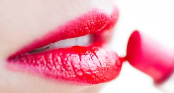 The Best Shine Lipstick To Try This Season