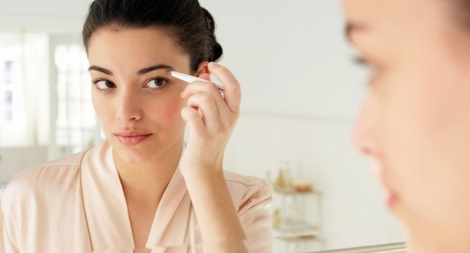 The Best Drugstore Eyebrow Tweezers: 73K Reviews