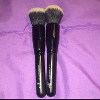 Elf Cosmetics Ultimate Blending Brush uploaded by Klara M.