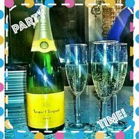 Veuve Clicquot Yellow Label Brut Champagne - 750ml Bottle uploaded by Melissa Y.