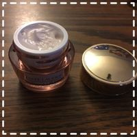 Estee Lauder Resilience Lift Firming/Sculpting Face And Neck Creme Oil-free Spf 15 uploaded by Erin M.