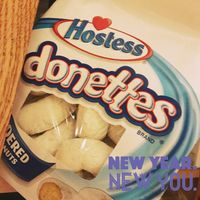 Hostess Donettes Powdered Mini Donuts uploaded by shelby S.
