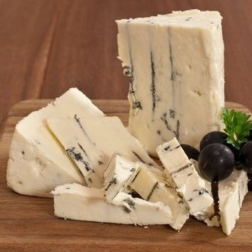 Point Reyes Blue Cheese - 8 oz (cut portion)