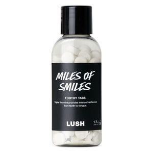 LUSH Miles of Smiles Toothy Tabs