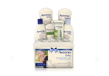 AVEENO® BABY ESSENTIAL DAILY CARE BABY & MOMMY GIFTSET