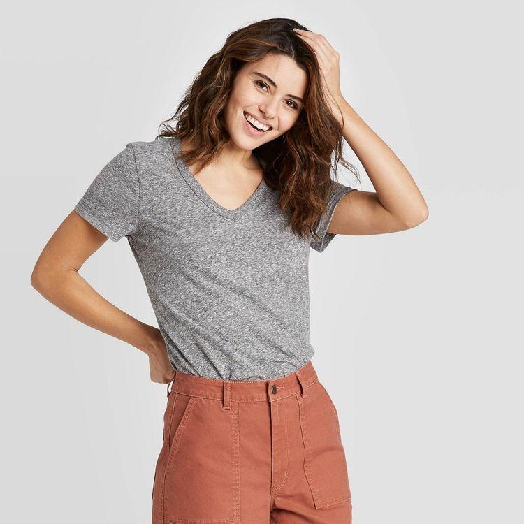 Women's Short Sleeve V-Neck T-Shirt - Universal Thread Heather Gray XL