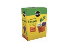 Miracle-Gro Pour N Feed 2-fl oz Synthetic All Purpose Food (0.02-0.02-0.02) 3100010