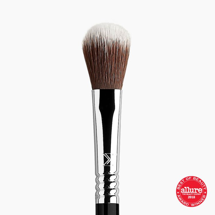 Sigma Beauty F03 High Cheekbone Highlighter™ Brush