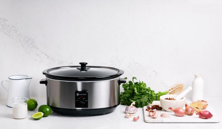 Russell Hobbs 6L Slow Cooker - Brushed Stainless Steel