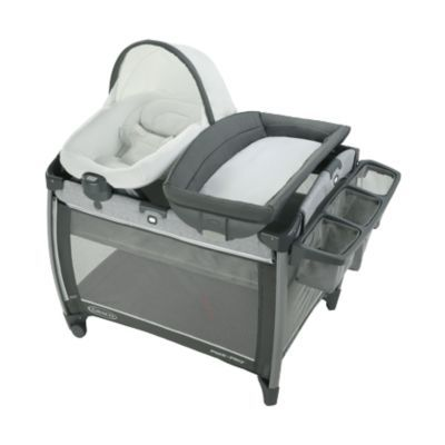 Graco Pack 'n Play® Quick Connect™ Portable Seat DLX Playard featuring Rapid Remove