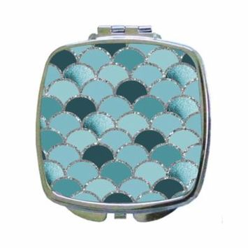 Silver Gilded Blue Scallops Pattern Print Design - Compact Square Face/Makeup Mirror