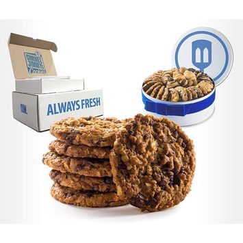 Fresh Baked Chocolate Chip Cookies   Gimmee Jimmy's Cookie Tin  4 Pound