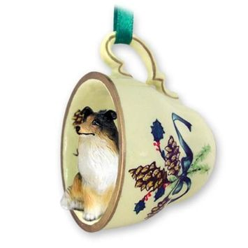 GTCD23B CON Collie Tricolor Tea Cup Green Holiday Ornament