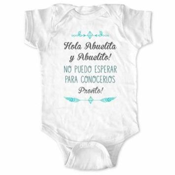 Hola Abuelita y Abuelito! No puedo Esperar Para Conocerlos Pronto! - spanish surprise pregnancy baby birth announcement bodysuit grandparents - Newborn Size (0-3 Mos) Unisex