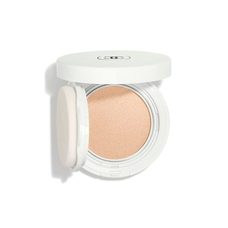CHANEL Le Blanc Oil-In-Cream Compact Foundation Whitening – Thermal Comfort SPF 40 / PA ++