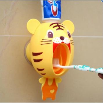 Scheam Toothpaste Dispenser Children Automatic Toothpaste Dispenser kids Hands Free Toothpaste Dispenser Cartoon Toothpaste Squeezer Toothbrush Dispensers Good Gift for Children (Tiger)