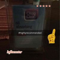 Clean & Clear® Oil Absorbing Sheets uploaded by Torie P.