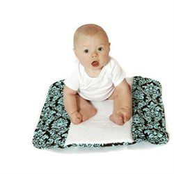 The Plush Pad Portable Diaper Changing Station by Ah Goo Baby - Vin.