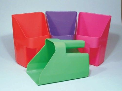 Horseloverz Plastic Feed Scoop (Assorted) 3 qt Assorted