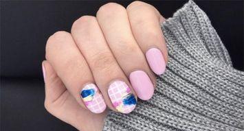 Insta Trend: Grid Nails