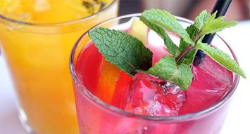5 Easy Cocktails for Spring Time Sippin'