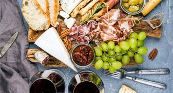The Best Crackers for Summer Wine & Cheese Nights