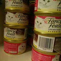 Purina Fancy Feast Grain Free Pate Wet Cat Food; Tender Liver & Chicken Feast - 3 oz. Can uploaded by Devin O.