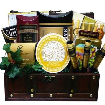 The Good Life Gourmet Food and Snack Chest Basket with Smoked Salmon (Chocolate Option)