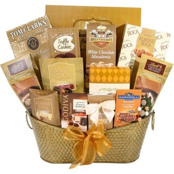 Alder Creek Gift Baskets Sweet Holiday Gift Basket